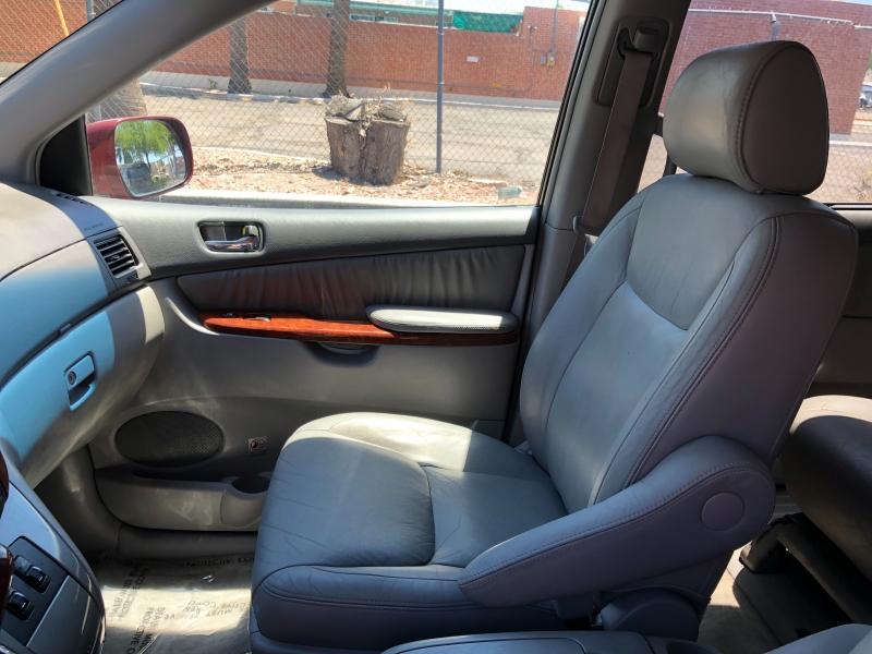 Toyota Sienna 2005 price $5,190