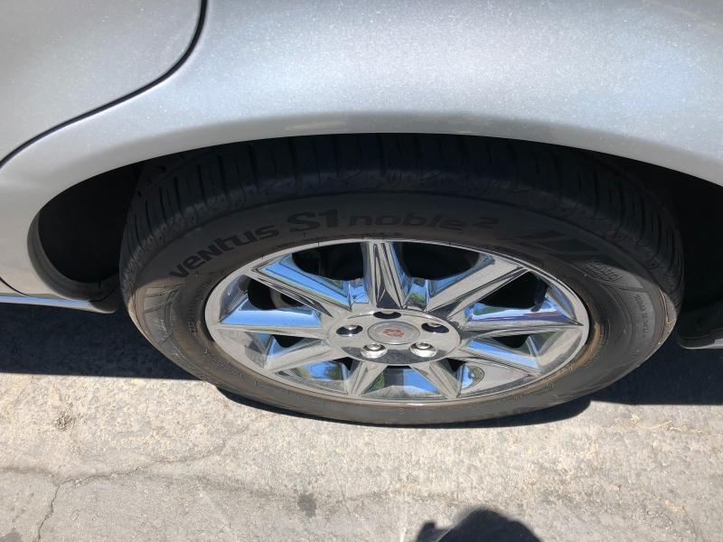 Cadillac DTS 2011 price $11,490