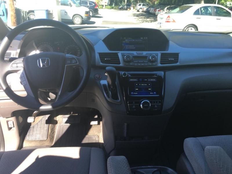 Honda Odyssey 2016 price $27,950