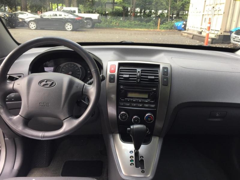 Hyundai Tucson 2005 price $3,950
