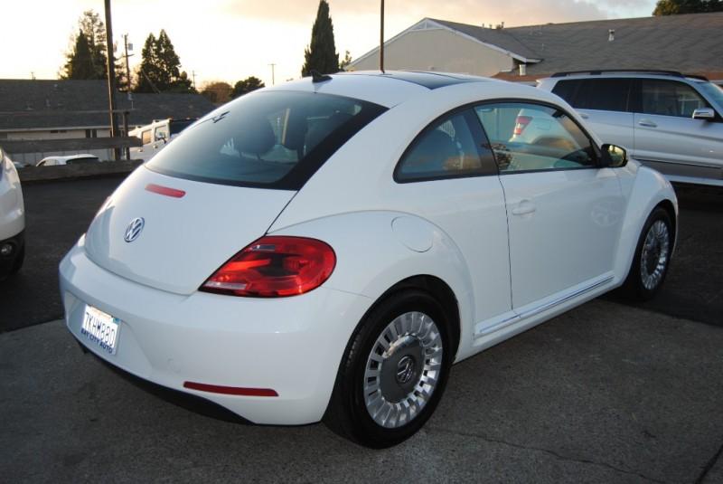 Volkswagen Beetle Coupe 2015 price $9,988