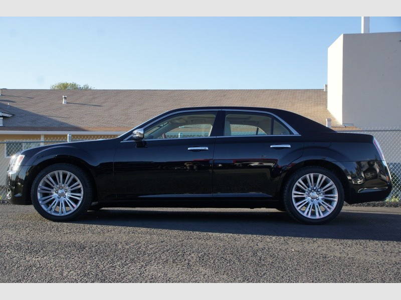 Chrysler 300 2011 price $12,888