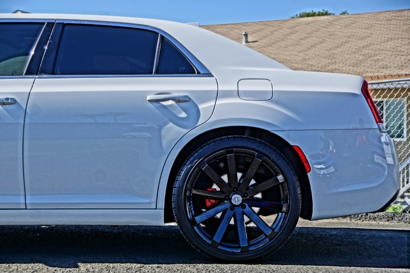 Chrysler 300 2016 price $18,995