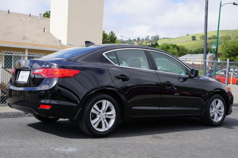 Acura ILX 2013 price $13,888