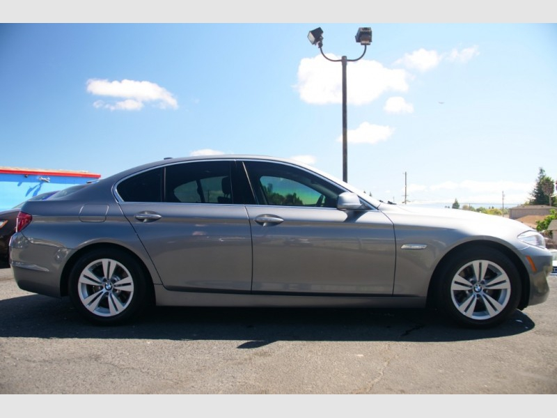 BMW 5-Series 2011 price $13,488