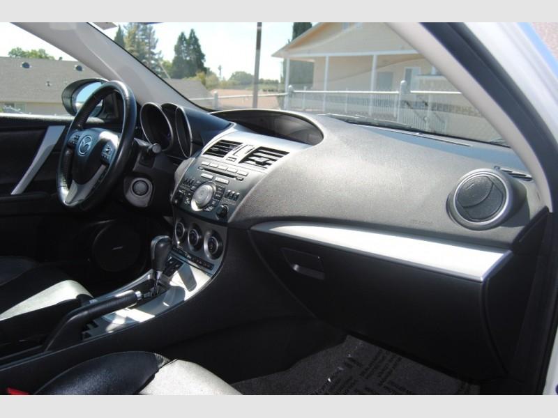 Mazda Mazda3 2011 price $10,888