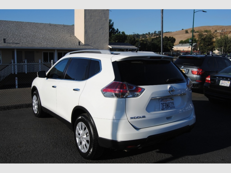 Nissan Rogue 2016 price $12,888
