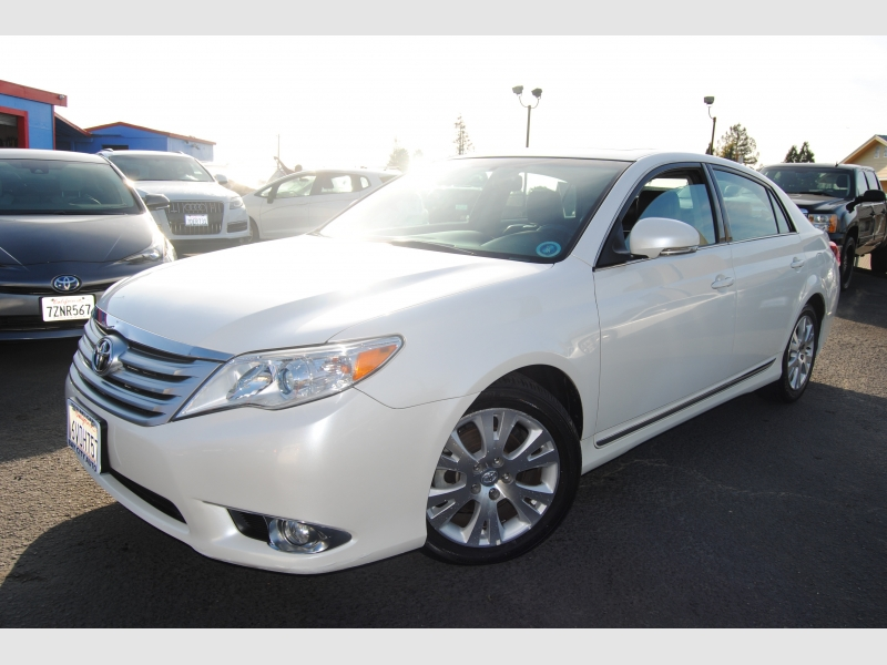 Toyota Avalon 2012 price $13,888