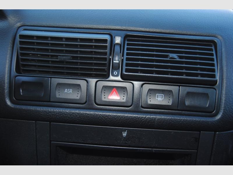 Volkswagen Golf 2001 price $4,888