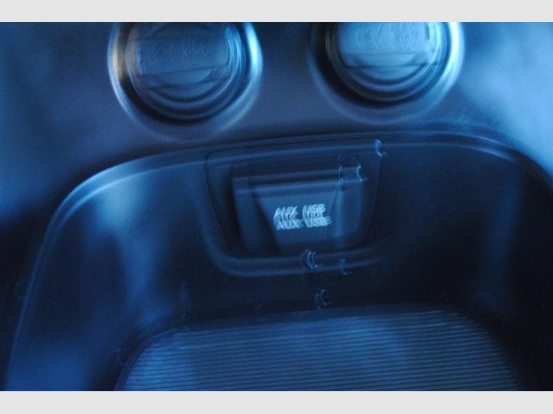 Hyundai Santa Fe 2015 price $12,988
