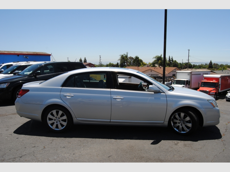 Toyota Avalon 2006 price $6,888