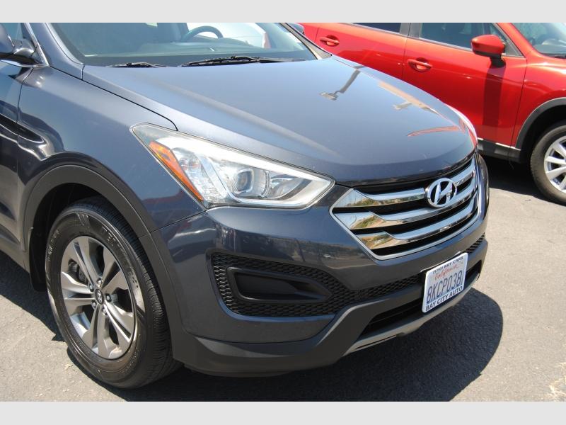 Hyundai Santa Fe Sport 2015 price $12,888