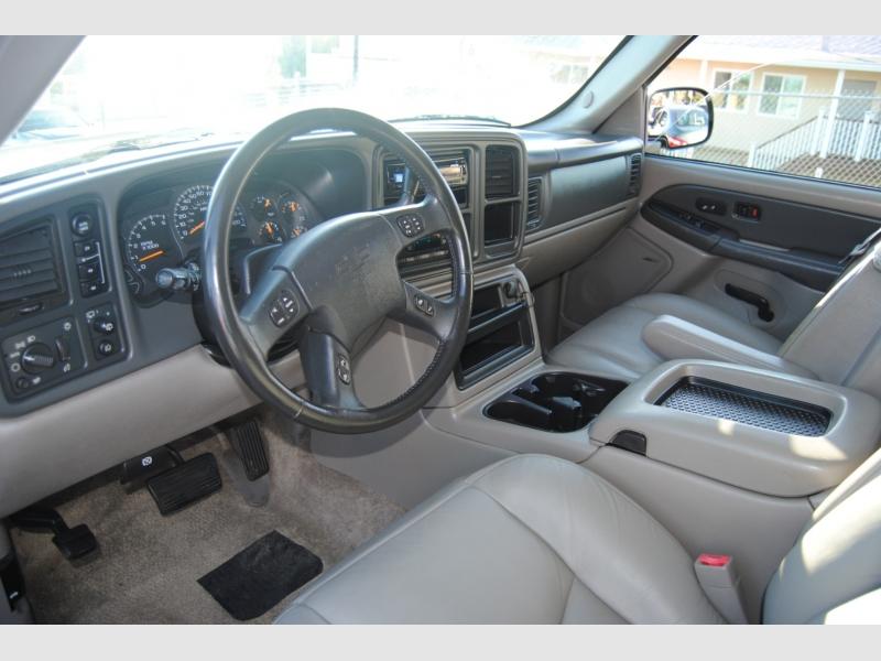Chevrolet Suburban 2003 price $6,888