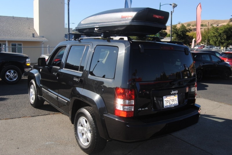 Jeep Liberty 2010 price $9,888