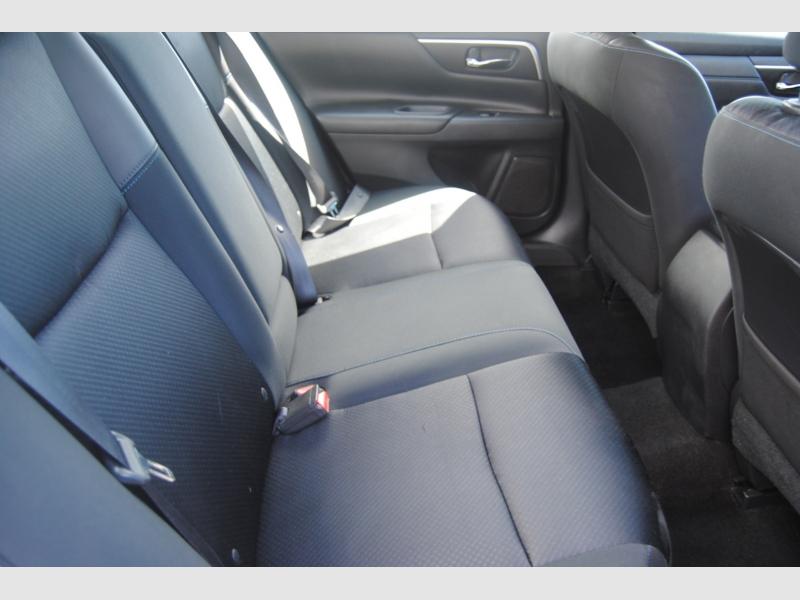 Nissan Altima 2016 price $15,888