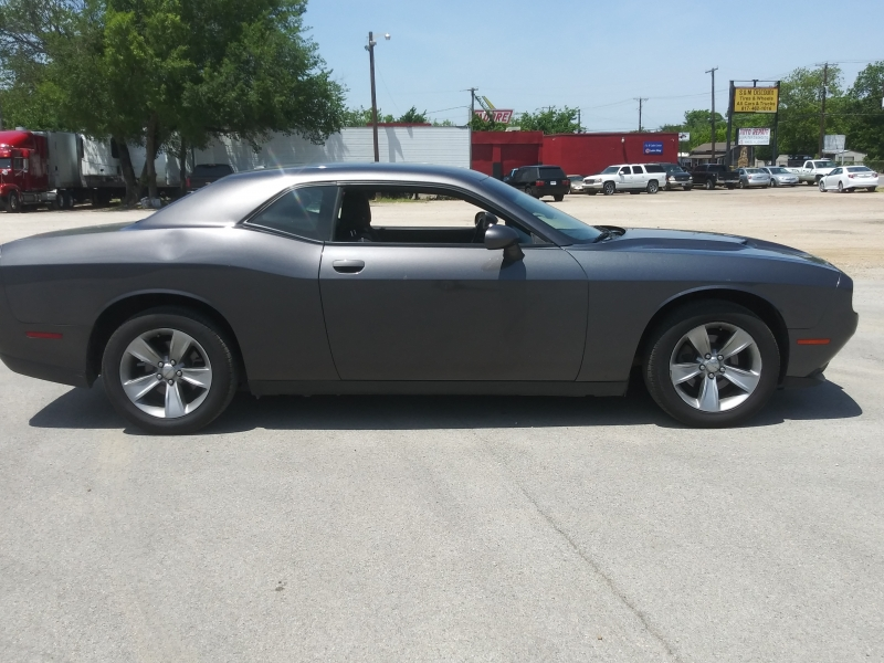 Dodge Challenger 2015 price $13,999