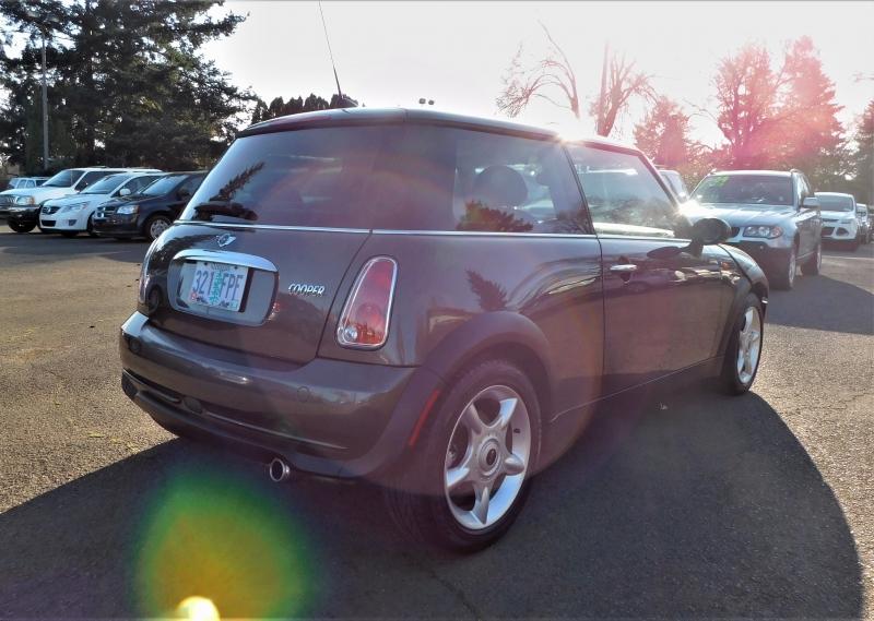 Mini Cooper Hardtop 2006 price $5,495