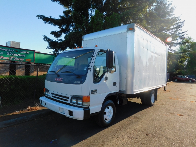 GMC W4500 Commercial Cutaway 2005 price $12,995