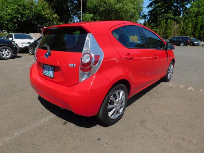 Toyota Prius c 2014 price $9,995