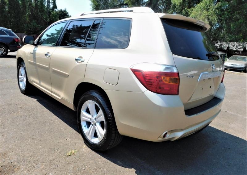 Toyota Highlander 2008 price $11,495