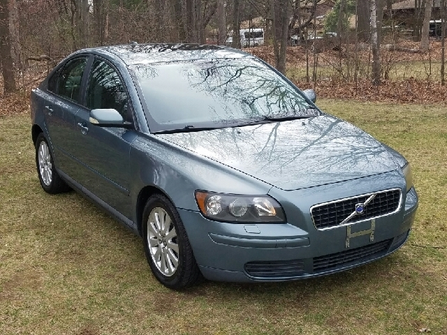 2005 Volvo S40 24i 4dr Sedan - Choice Motor Car | Auto dealership in Plainville, Connecticut