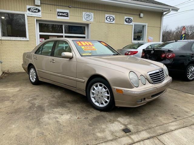 Mercedes-Benz E320 2001 price $1,995