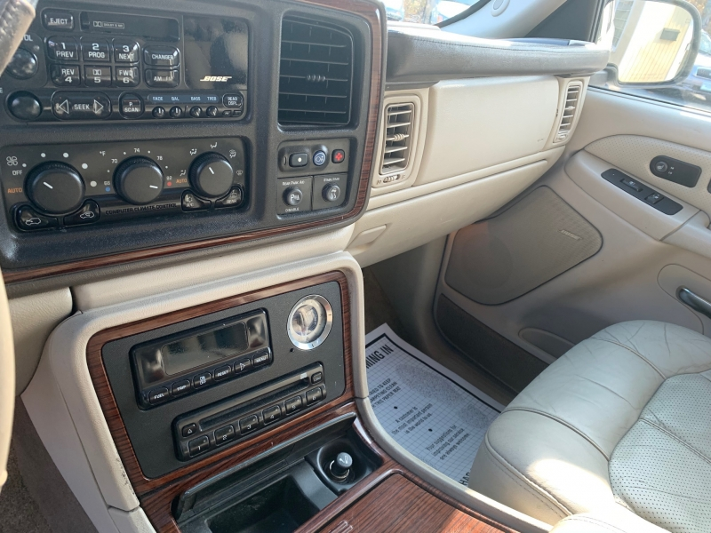 Cadillac Escalade 2002 price $4,050