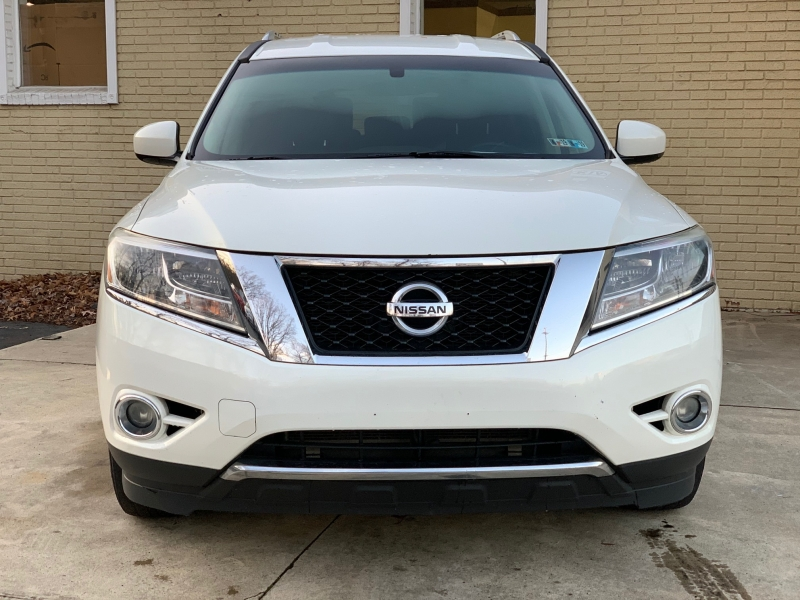 Nissan Pathfinder 2013 price $10,350