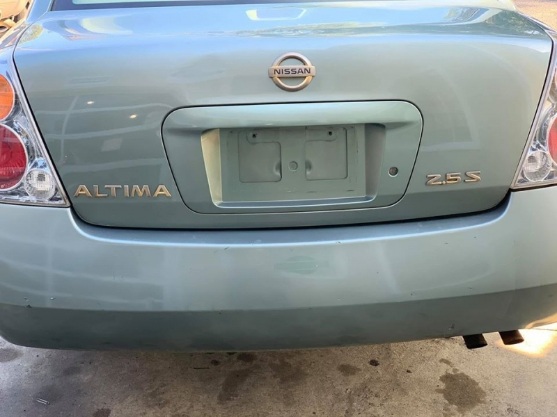 Nissan Altima 2004 price $2,650