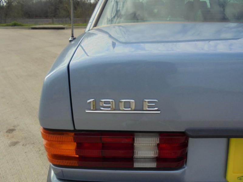 MERCEDES-BENZ 190 1991 price $4,988