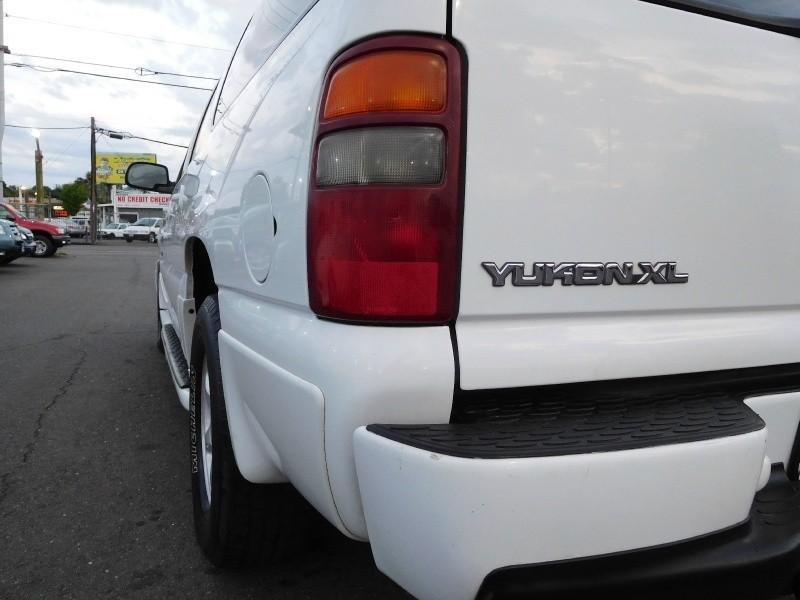 GMC Yukon XL Denali 2003 price $6,995