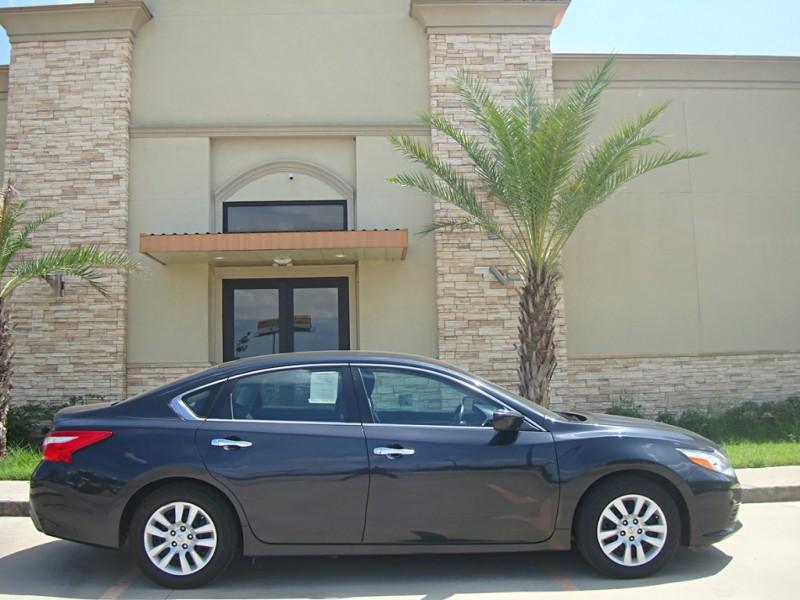 Nissan Altima 2016 price $13,499
