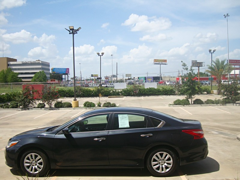 Nissan Altima 2016 price $13,499