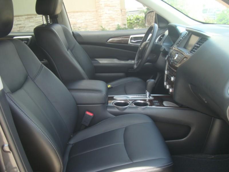 Nissan Pathfinder 2014 price $16,999