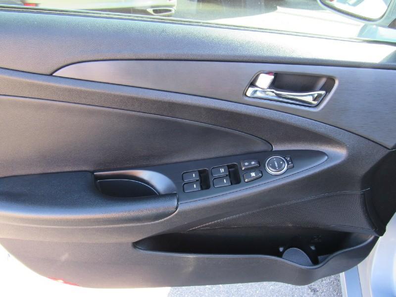 Hyundai Sonata 2013 price $11,900