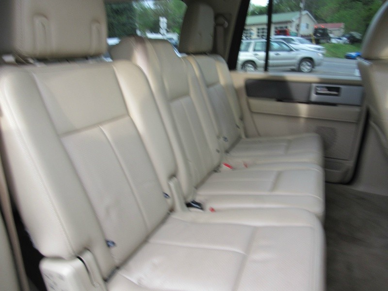 Ford Expedition EL 2014 price $20,900