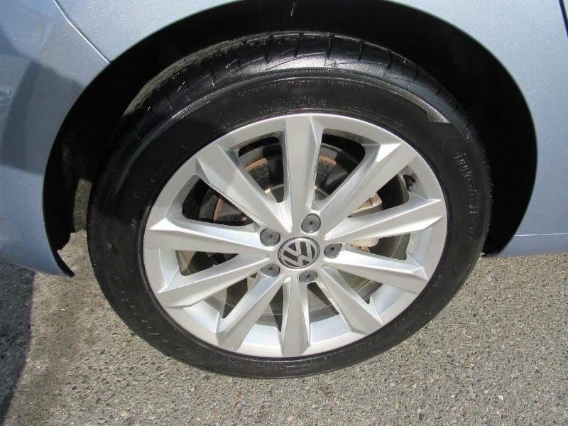 Volkswagen Golf 2012 price $10,900