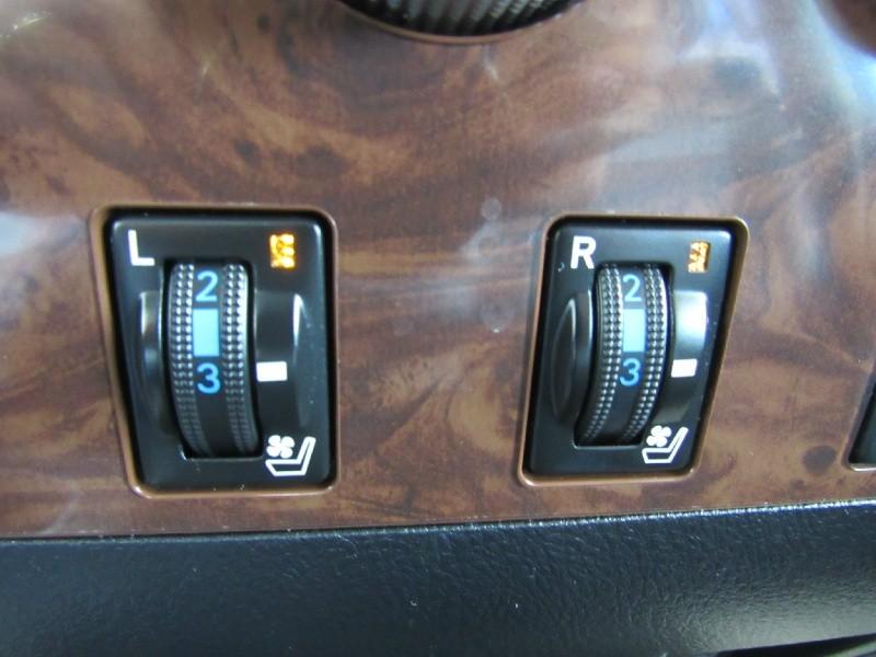 Toyota Tundra 4WD Truck 2012 price $27,900
