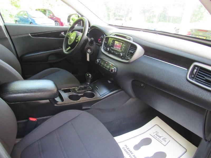 Kia Sorento 2016 price $12,900