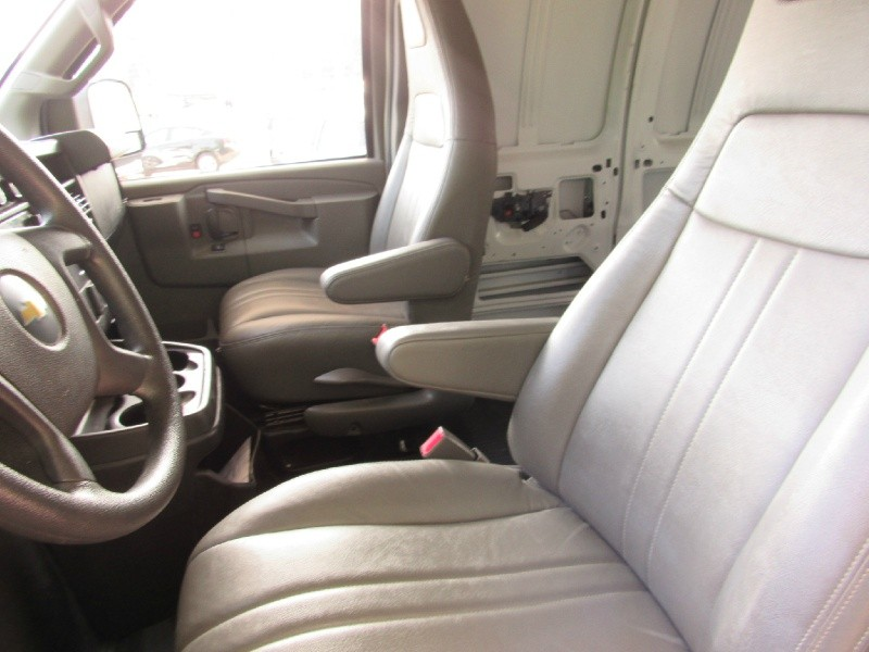 Chevrolet Express Cargo Van 2018 price $19,500