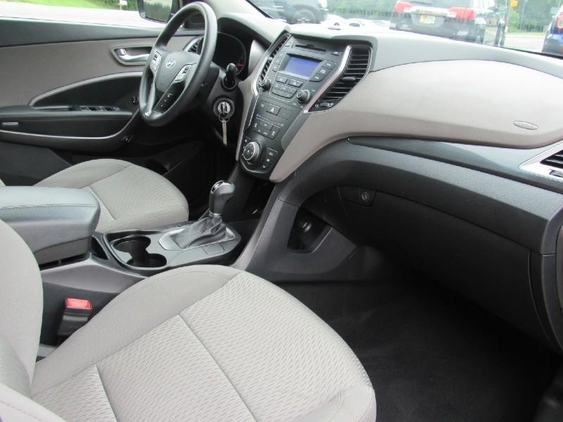 Hyundai Santa Fe Sport 2015 price $13,900