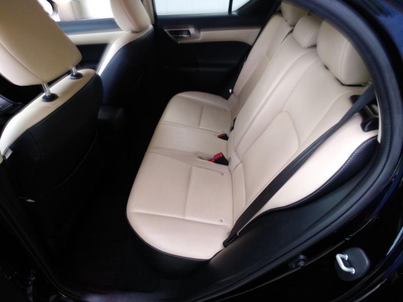 Lexus CT 200h 2016 price $13,800