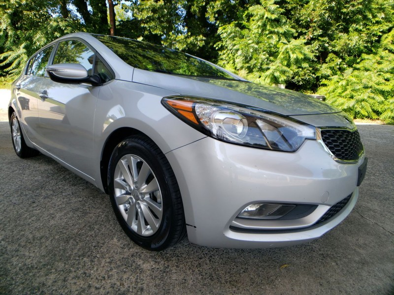 Kia Forte 5-Door 2015 price $10,900