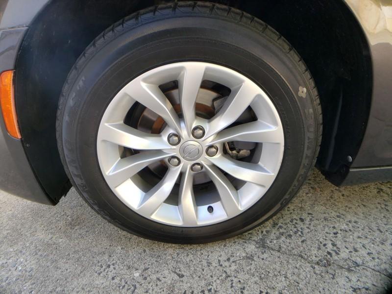 Chrysler 300 2015 price 13500