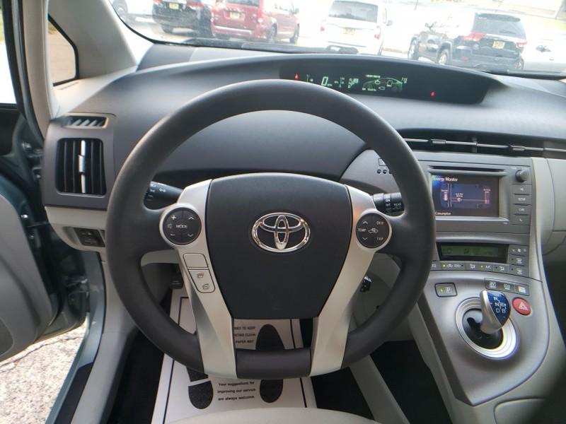 Toyota Prius 2013 price $11,900