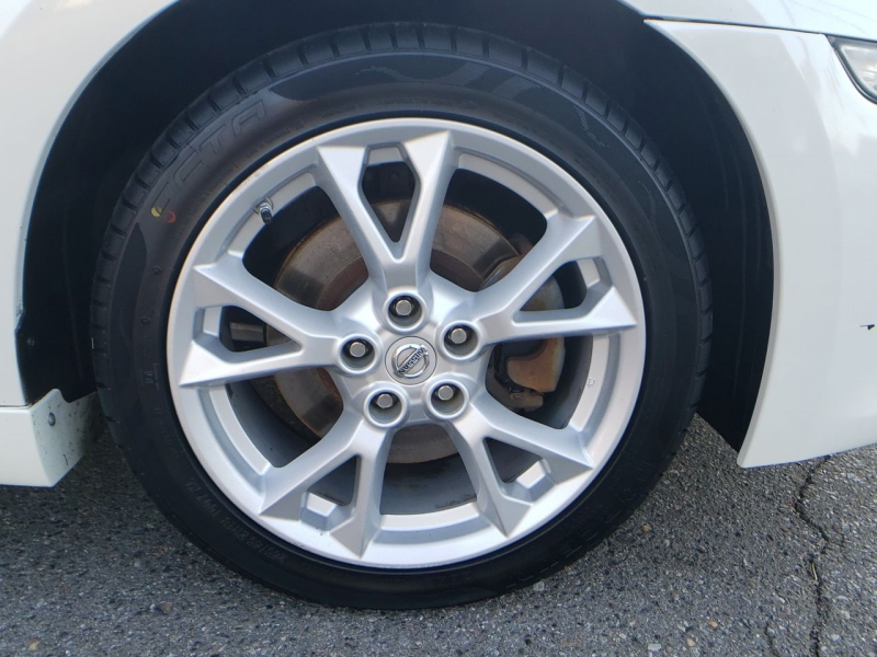 Nissan Maxima 2014 price $13,700