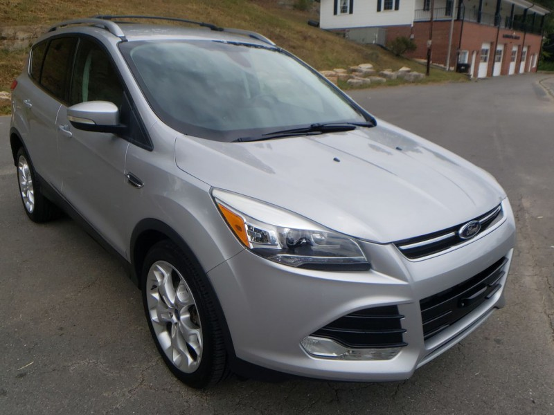 Ford Escape 2013 price $12,900