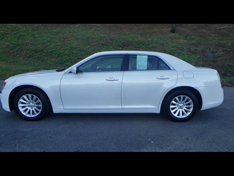 Chrysler 300 2014 price $12,900