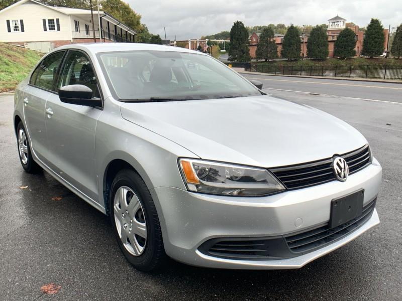 Volkswagen Jetta Sedan 2014 price $8,900