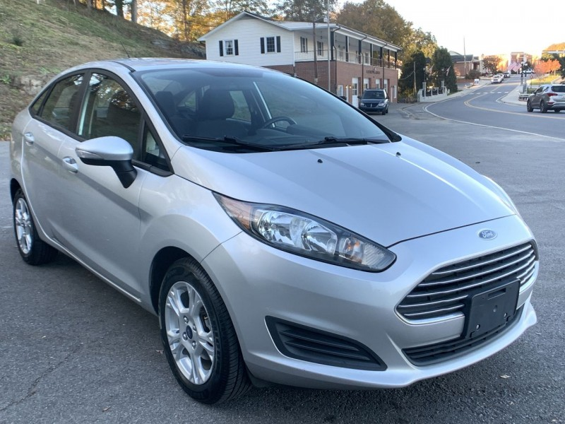 Ford Fiesta 2014 price $7,300